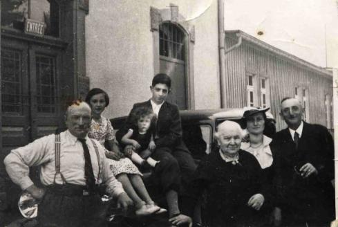 Sigmund, Ruth, Claude, Oscar Michel, Lothar Lazar, Rosalie Michel, Elsa Lazar, Moses Lazar